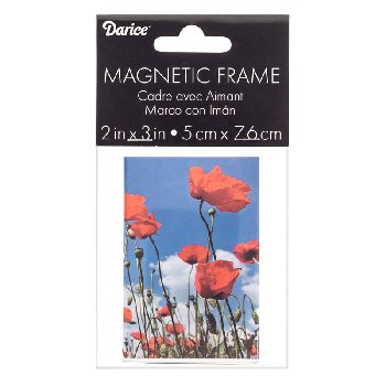 "Modern Magnetic Frame: 2"" x 3"" Clear Acrylic"